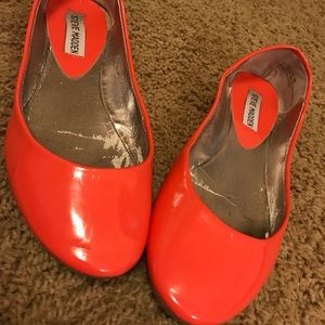 Coral Steve Madden patent-leather flats